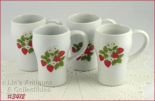 McCOY POTTERY SET OF 4 STRAWBERRY COUNTRY TALL MUGS SODA MUGS