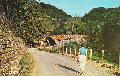 COVERED BRIDGE POSTCARD � �SCOFIELD COVERED BRIDGE, BROWN COUNTY OHIO