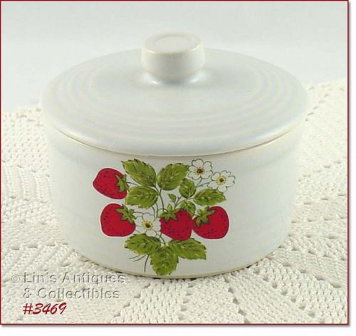 McCOY POTTERY STRAWBERRY COUNTRY COVERED MARGARINE CONTAINER