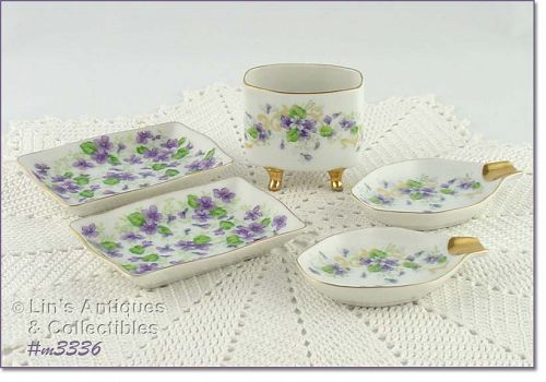 LEFTON �VIOLETS� SMOKING SET
