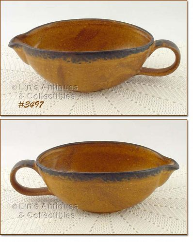McCOY POTTERY � CANYON GRAVY BOAT / SERVER