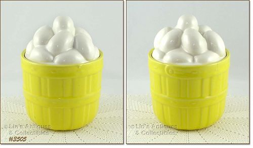 McCOY POTTERY � BASKET OF EGGS COOKIE JAR