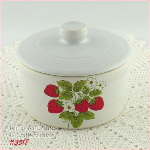 McCOY POTTERY � STRAWBERRY COUNTRY COVERED CONTAINER