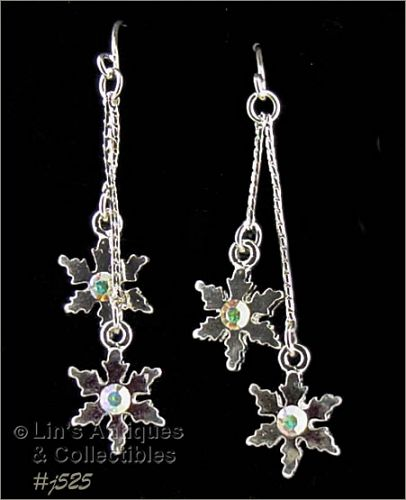 EISENBERG ICE PIERCED EARRINGS WITH SNOWFLAKES