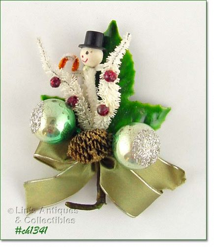 VINTAGE CHRISTMAS CORSAGE FEATURING A LITTLE SPUN COTTON SNOWMAN