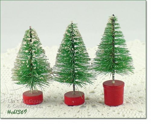VINTAGE SET OF THREE 3 INCHES TALL BRUSH TREES