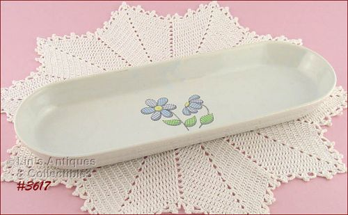 McCOY POTTERY � DAISY DELIGHT BREAD TRAY
