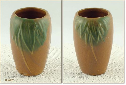 McCOY POTTERY � LEAVES AND BERRIES STONEWARE VASE (6�)