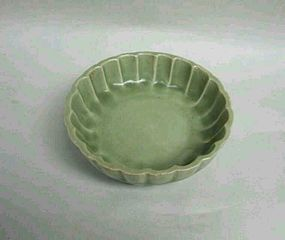 Song dynasty longquan dish