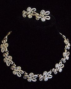 Margot de Taxco 5204 Mexican Silver Necklace Earrings
