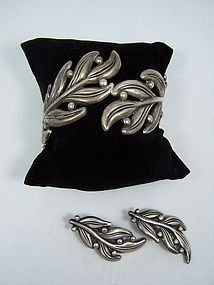 Margot de Taxco Vintage Mexican Silver Leaf Clamper Set