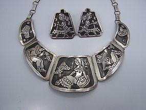 Far Fan Story Teller Earrings Vintage Mexican Silver