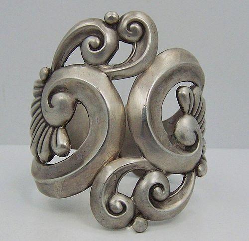 Gerardo Lopez Vintage Mexican Silver Lotus Clamper