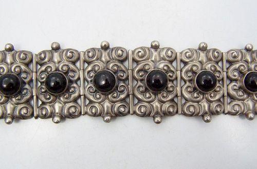 Parra Vintage Mexican Silver Onyx Repousse Bracelet