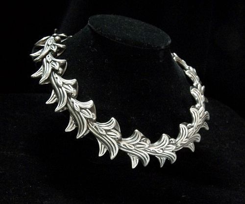 Old Los Castillo Leaf & Pod Vintage Mexican Silver Necklace