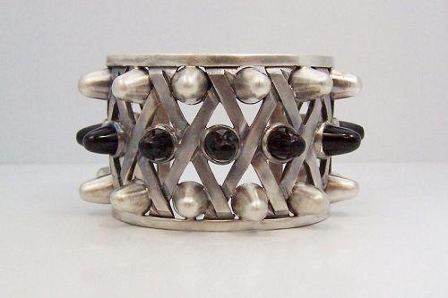 Antonio Pineda Vintage Mexican Silver Gladiator Bracelet Onyx
