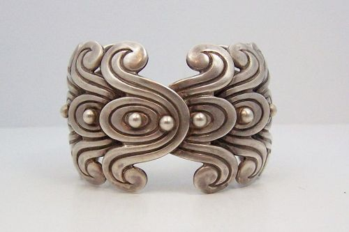Los Castillo Pre Columbian Double Swirl Big Cuff # 262