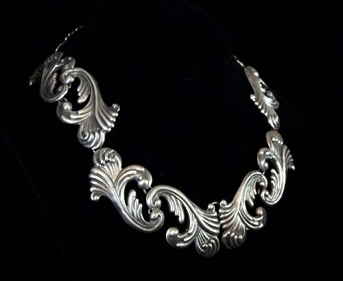 Old Los Castillo Leaf  Vintage Mexican Silver Necklace Design 475