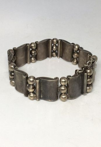 Hector Aguilar Vintage Mexican Silver Bracelet Scroll & Bead