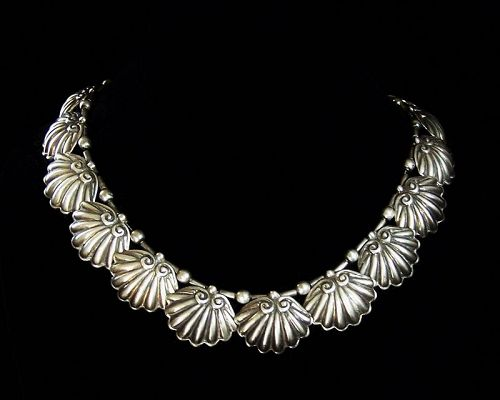 Margot de Taxco # 5149 Vintage Mexican Silver Clam Shell Necklace