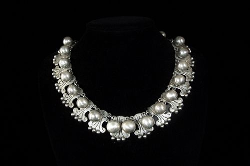 Taxco 980 Vintage Mexican Silver Dangle Ball Necklace
