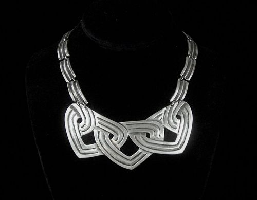 Los Castillo 252 Vintage Mexican Silver Chased Hearts Necklace