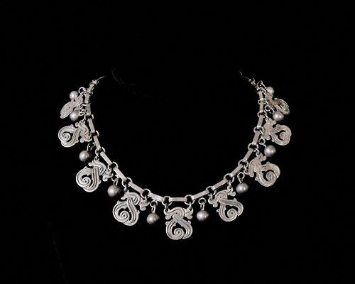 Old Vintage Mexican Silver Deeply Chased Necklace & Casa Belles