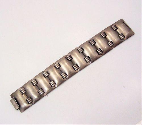 Fred Davis Faceted Shields Vintage Mexican Silver Bracelet
