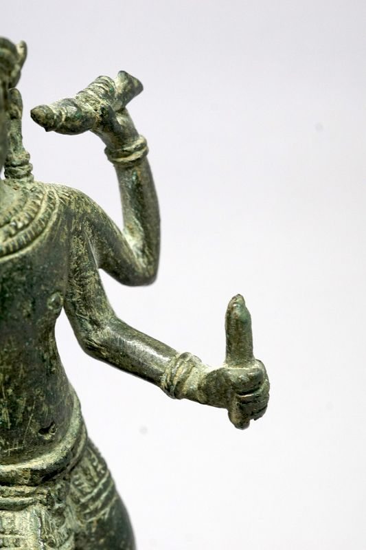 Vishnu Stepping Over the Sea, Bronze Statue, Khmer