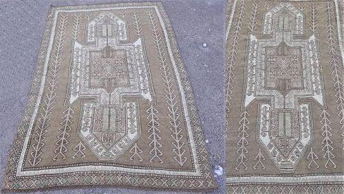 Turkish Kars carpet with Horses motif