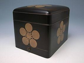 Antique Edo Period Maki-e Lacquer Box