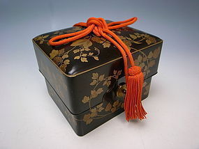 Antique Meiji Period Maki-e Lacquer Box