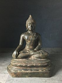Antique Thai Chiang Saen Statue of Sitting Buddha