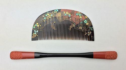 Meiji Period Maki-e Lacquer Kushi Kogai Set