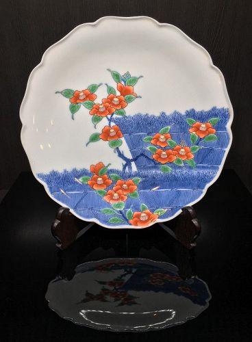 Iro-nabeshima Porcelain Plate with Camellia Motif by Imaemon XII