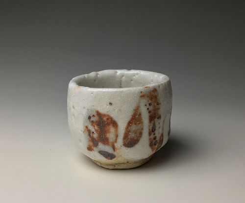 Shino Guinomi by Kato Shuntei II