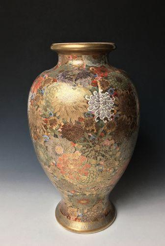 Meiji-Taisho Period Satsuma Vase