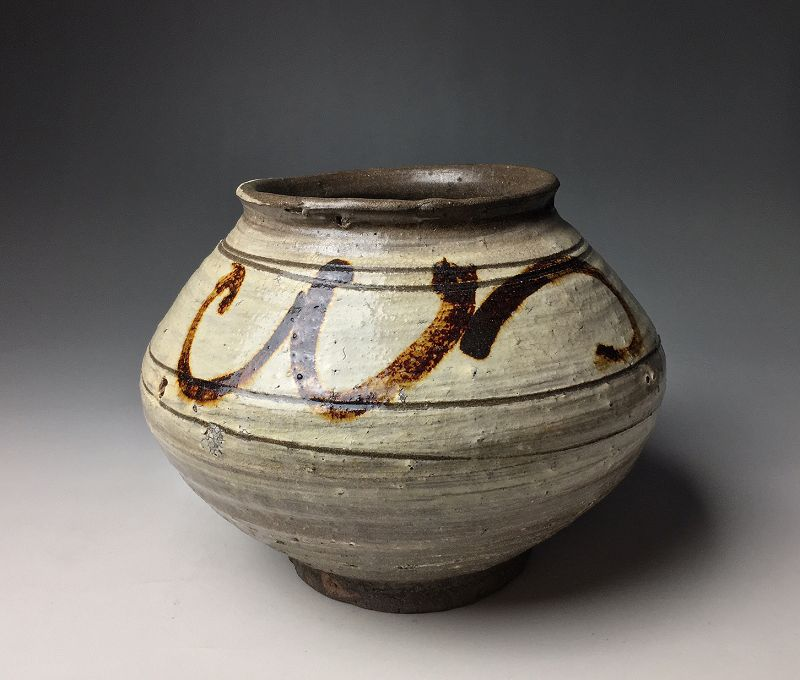 Joseon Dynasty Buncheong Pot
