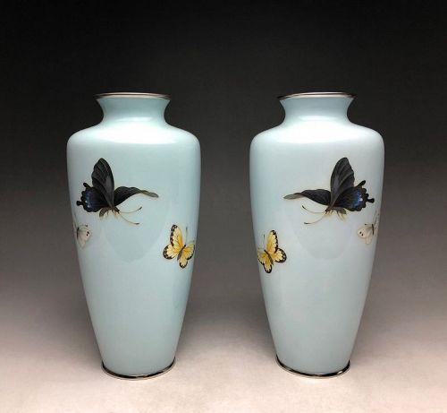 Meiji-Taisho Period Pair of Ando Cloisonne Vases