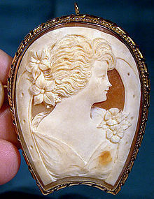 Unusual HORSESHOE SHAPE SHELL CAMEO GF SETTING 1920-30