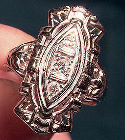 ART DECO 18K WHITE GOLD DIAMONDS COCKTAIL RING 1920s