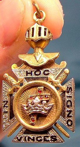 14K KNIGHT TEMPLAR YORK RITE JEWEL FOB with GARNETS 1920s