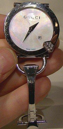 GUCCI CHIODO 122 YA122505 DIAMONDS STAINLESS LADY'S WRIST WATCH & BOX