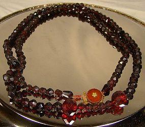 19thC DUTCH RED GLASS NECKLACE w/ 14K CARNELIAN CLASP