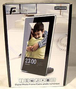 FIDELITY PHOTO FRAME DPF6022B - New In Box