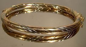 THREE COLOUR GOLD 10K HINGED OVAL BANGLE BRACELET