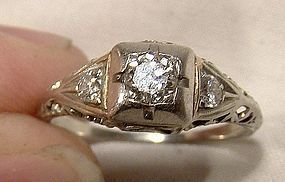 Art Deco 18K White Gold Diamonds Filigree Ring 1920s Size 5-3/4
