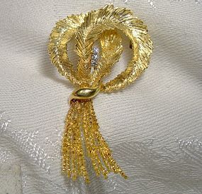 18K BIRKS BOW Brooch with DIAMONDS 1950s 18 K Retro Pin