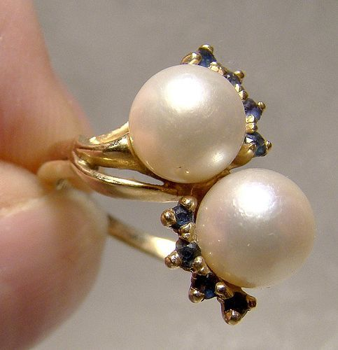 14K Twin Cultured Pearls and Sapphires Ring 1960s - Size 5-1/2