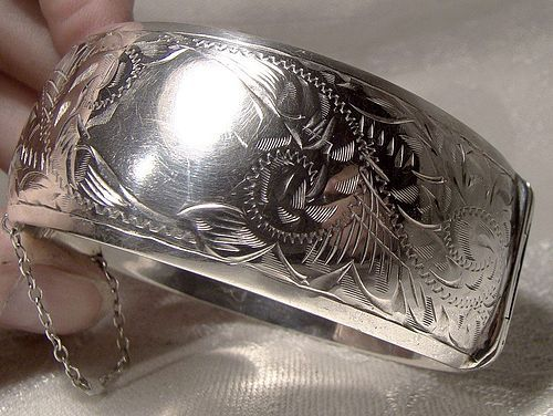 Sterling Silver Hinged Bangle Bracelet 1940s 1950 Hand Engraved Retro